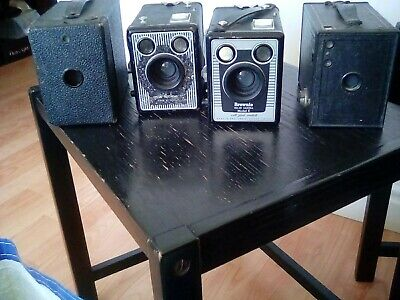 A collection of Antique and vintage brownie camera's