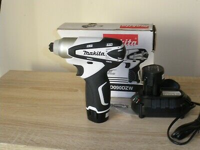 makita impact driver TD090DZW. with 2 batterys and charger, all new