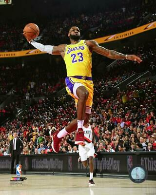 ab7817287 LeBron James Los Angeles Lakers 2018-2019 NBA Action Photo VV189 (Select  Size)