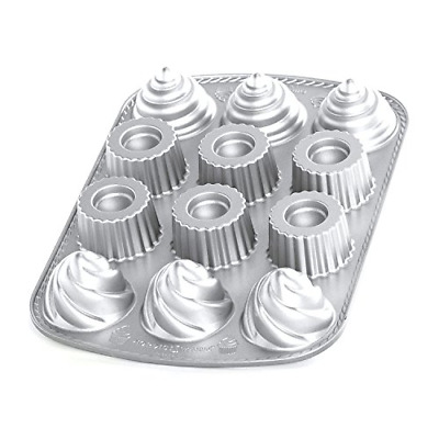 Nordic Ware Pro Cast Filled Cupcakes Pan (japan import)