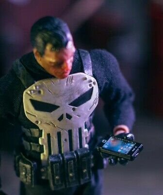 iPhone ACCESSORY ONLY Mezco, Marvel Legends 1/12