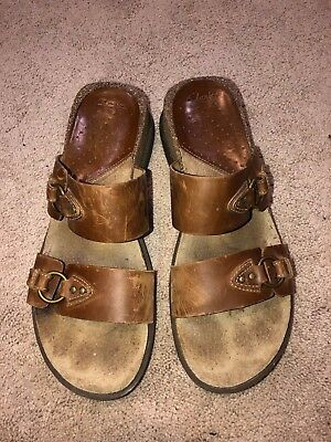 a2deb2a1e Clarks Size 8 M Women s Brown Distressed Leather Wedge Slides Sandals Slip  On