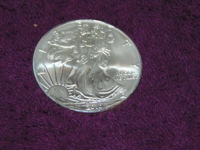 2010 1 oz AMERICAN SILVER EAGLE BRILLIANT UNCIRCULATED ( SAF -RM)