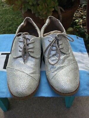 458a92ba953 TOMS Womens Brogues Sz 7 Silver Crackled Leather Metallic Oxfords Lace-Up  Shoes