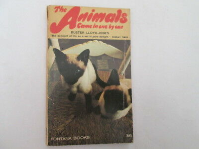 Acceptable - The animals came in one by one: An autobiography - Lloyd-Jones, Bus