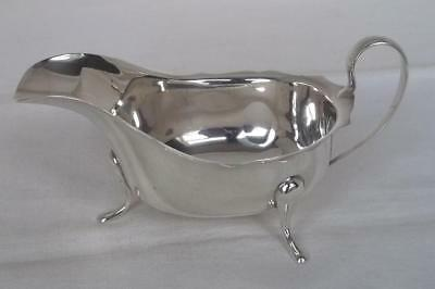 A LARGE SOLID SILVER SAUCE / GRAVY BOAT BY EMILE VINER SHEFFIELD 1931 154 grams.