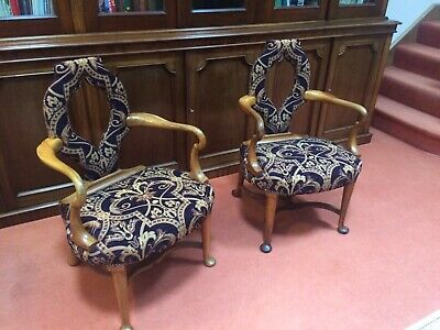Stunning Antique Pair Of George II Style Edwardian Hall Chairs
