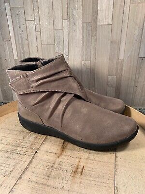 e914caf0d5f6 Clarks Sillian Tana Boots SIZE 9 Wide Women s Pewter Cloudsteppers