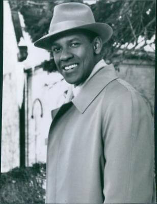 "Portrait of Denzel Washington, smiling, from the movie ""The Preacher's wife"", 19"