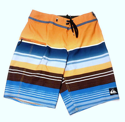 e3ac83290d0c QUIKSILVER Men's EVERYDAY STRIPE VEE 21 Boardshorts - YJD6 - Size 28 - NWT