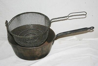 """Vintage 10"""" Metal Deep Fry Pot With Heavy Wire Basket Stove Top Camp Site Decor"""