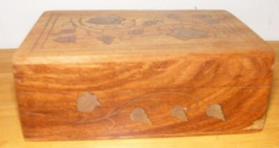 """ANTIQUE  VINTAGE WOODEN BOX WITH BRASS INLAY LEAVES & VINE INDIA 6"""" X 4"""" x 2.25"""""""