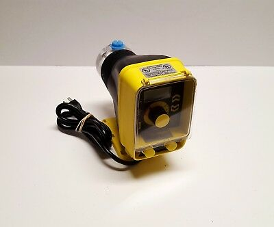 LMI Milton Roy Roytronics Chemical Metering Pump AA961-76R 2.0 GPH, 50 psi