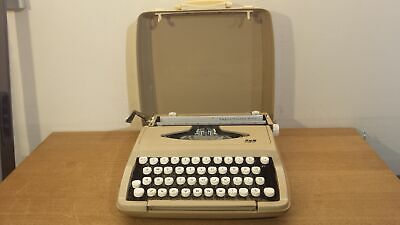 SCM Smith Corona Empire-Corona De Luxe Vintage Portable Typewriter in Hard Case