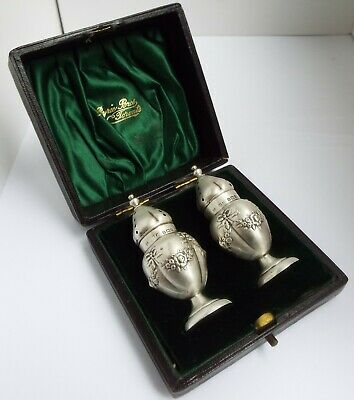 Lovely Orig Boxed Pair English Antique 1902 Solid Sterling Silver Pepper Pots