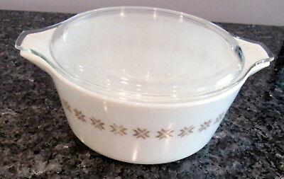 1964 PYREX TOWN COUNTRY 475 B ROUND CASSEROLE LID 2-1/2 QT Ovenware Corning USA