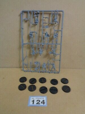 Warhammer Middle Earth Lord of the Rings Uruk Hai Warriors on sprue 124