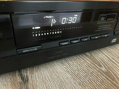 Philips CD610 CD Compact Disc Player (Made in Belgium).