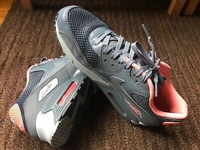 0500fa63a927 LADIES NIKE AIR Max Grey Coral Running Trainers. Size 7 -  34.05 ...