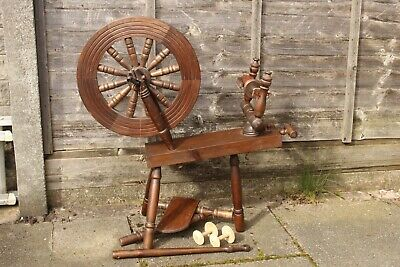 Dark Wood Wooden Traditional Style Saxony Spinning Wheel Very Good Condition