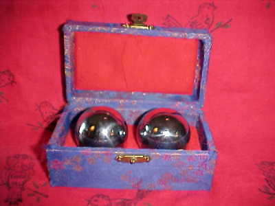 VINTAGE Chinese Oriental Stress Exercise Massage w/interior Chime Balls In Case
