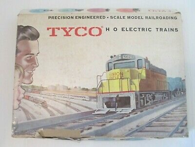 Tyco Ho Electric Trains Scale Model Railroading 8 Set Made In Usa With Box