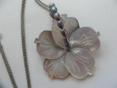 1 Of A Kind Artisan Sterling Real Pearl Hand Carved Mop Flower Pendant Necklace