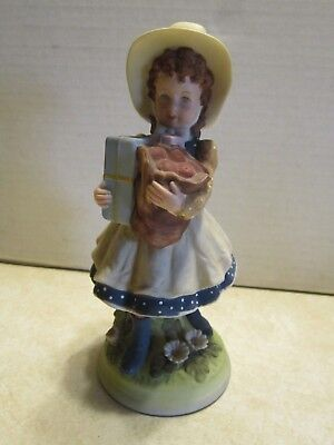 """World Wide Art Inc Holly Hobby Holding Presents Apple Limited 8"""" Figurine D229"""