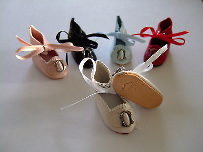 1 pair of BLEUETTE Doll Leather shoes for antique or repro doll. 40mm. 11 colors