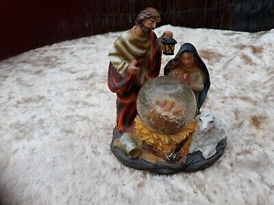 Retro*Snow Globe Christmas Nativity Scene,*Jesus*Holy Family