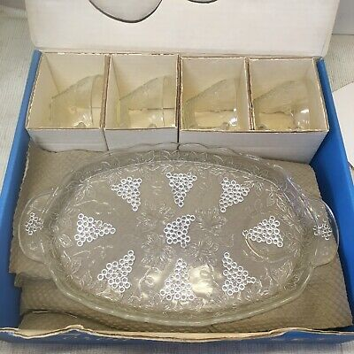 Vintage Anchor Hocking 8 Piece Serva-Snack Tray & Cup Set - Grapes Leaves Vines