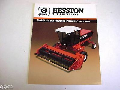 HESSTON 8200 SELF-PROPELLED Windrower Brochure From 1980s? 4 Page