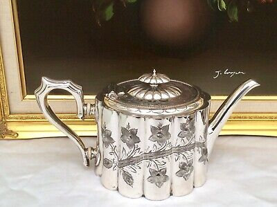 Stunning Antique Sheffield Art Nouveau Repousse Silver Plated Teapot C1900