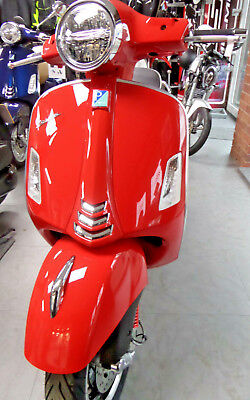 Vespa GTS 300 Super HPE Dragon Red Scooter New