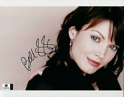 Bellamy Young Signed Autographed 8X10 Photo Sexy Beautiful Eyes GV849784