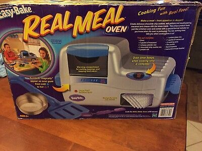 HASBRO EASY BAKE Real Meal Oven (No Light Bulb Required) w/ Real Working  Timer