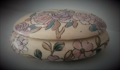 Pretty Chinese Hand painted Porcelain Lidded Trinket  Dish
