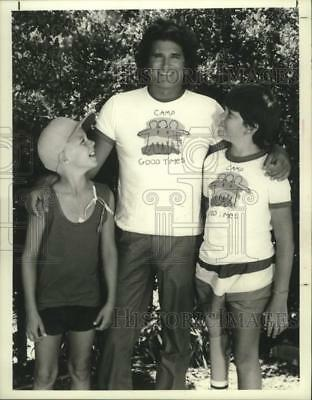 """1986 Press Photo Michael Landon and the children star in """"Highway To Heaven"""""""