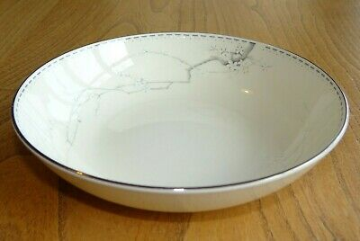 Royal Doulton Romance Collection Soup, Cereal or Dessert Bowl - ANGELA - H5102