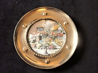 Vintage Small Brass Wall Plate Metallic Cottage Garden Picture Centre 5.75""