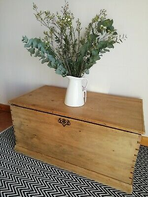 Country House super on trend Antique Victorian Pine Blanket Chest trunk