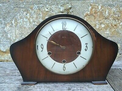 Smiths chiming mantle clock complete with key 31x20cm high x10cm deep