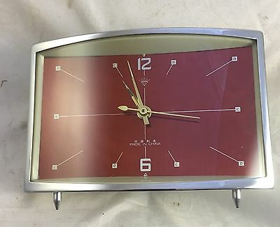 A Vintage Retro Mantel Clock From The 1960s Chinese Diamond Brand