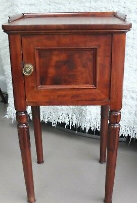 ANTIQUE VICTORIAN EDWARDS & ROBERTS MAHOGANY 19th CENTURY CABINET/CUPBOARD