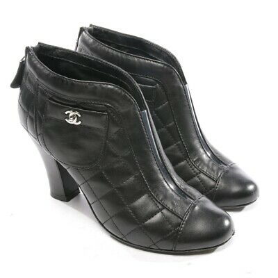 0db2435056f Chanel Bottines Taille D 37 Noir Femmes Chaussures Boots Chaussures