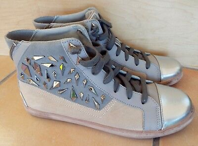 b4c8f6862362 Women s SAM EDELMAN Holden Leather Suede High Top Sneakers Sz 9M LN
