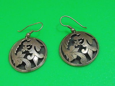 Vintage Middle East handmade Sterling Silver earrings flower Jewelry (ar)
