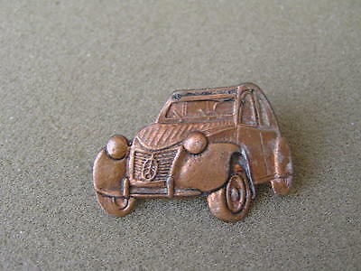 RED AND WHITE 2CV CAR ENAMEL PIN BADGE NEW