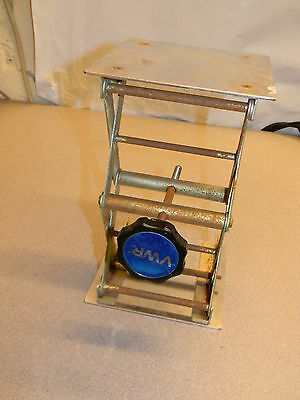 "VWR Lab Jack / Lift, 6"" x 6"" Surface, Some Rust, 2.75"" Min, 9.75"" Max Height"