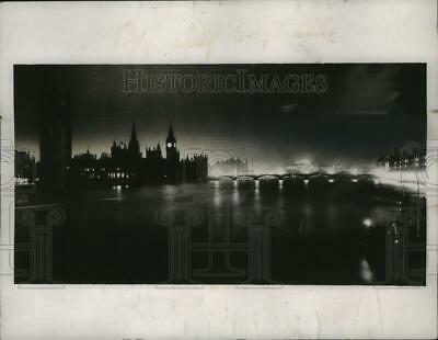 1937 Press Photo Houses of Parliament in moonlight in London on Thames River